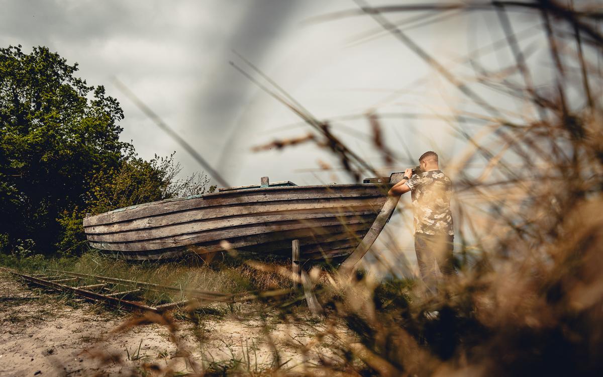 Fotowalk in Zingst mit altem Boot als Fotomotiv