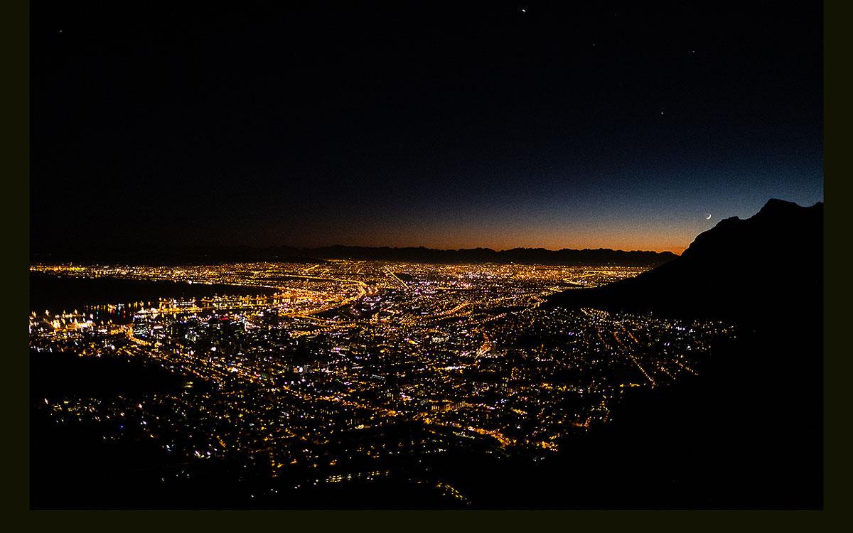 Lion's Head Kapstadt bei Nacht