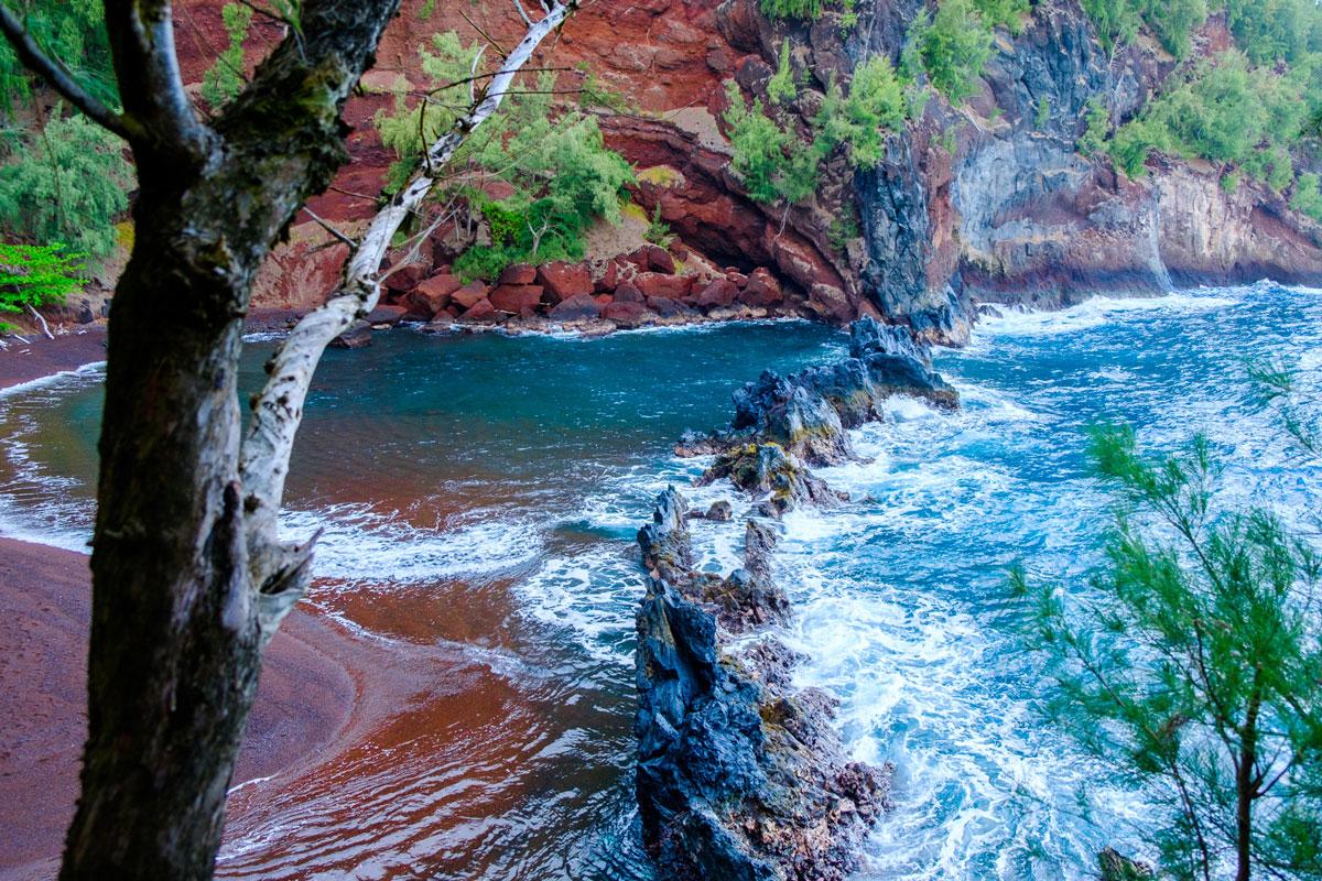 maui-hawaii-roter-strand