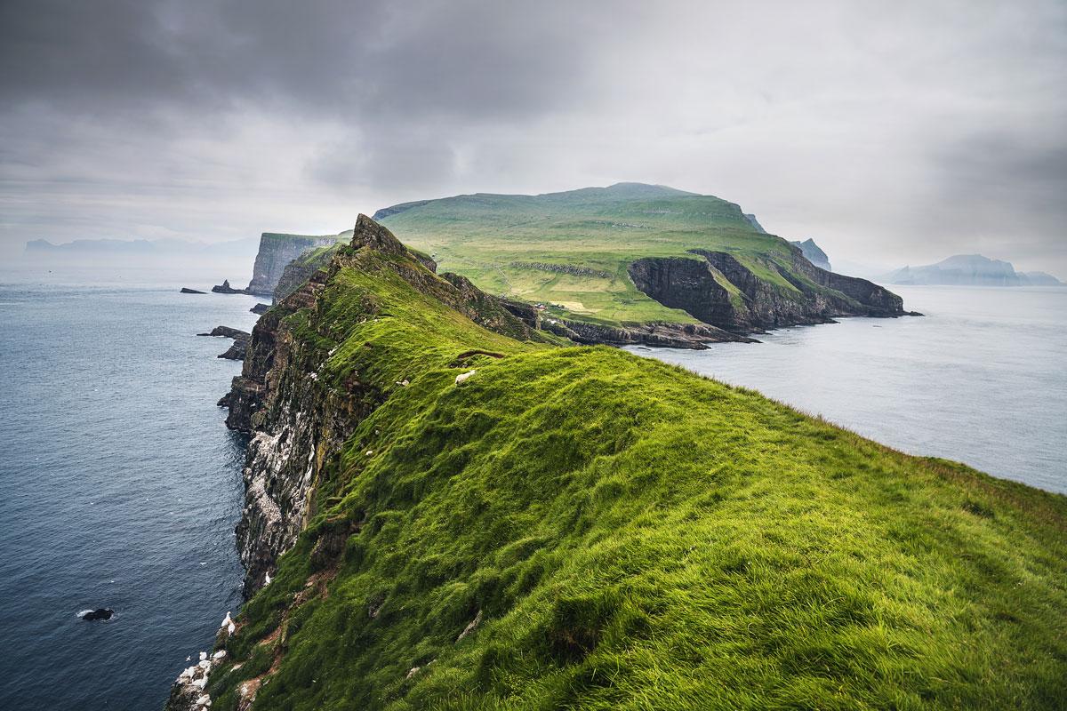 """Färöer Inseln: """"The Land of maybe"""": Sehenswürdigkeiten & Tipps mit Route 16"""