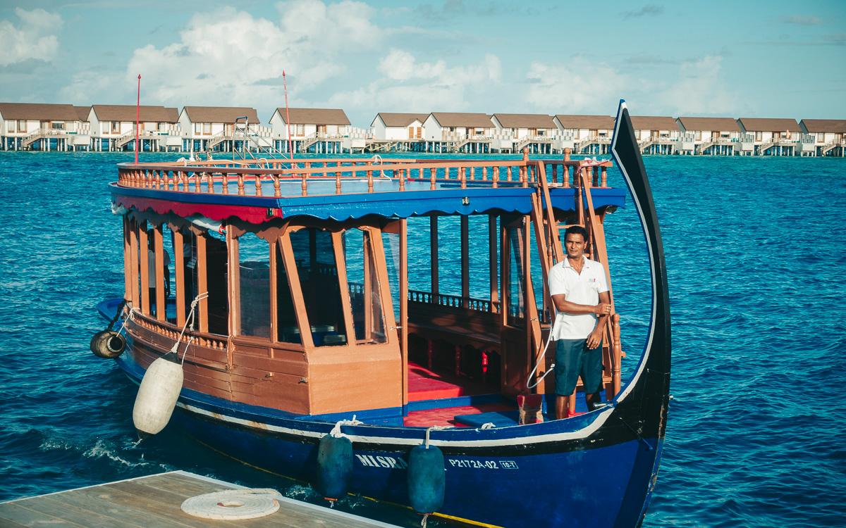 malediven-urlaub-oblu-sangeli-ausflugsboot