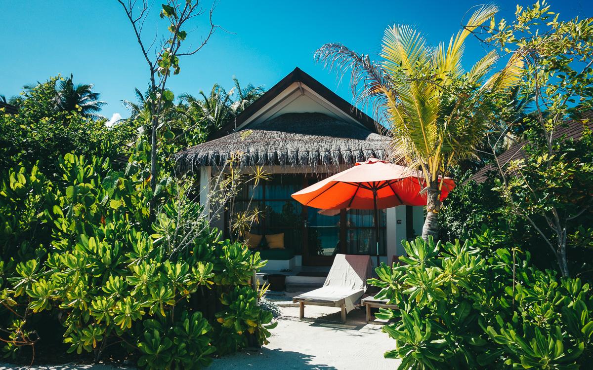 malediven-urlaub-oblu-sangeli-beachvilla
