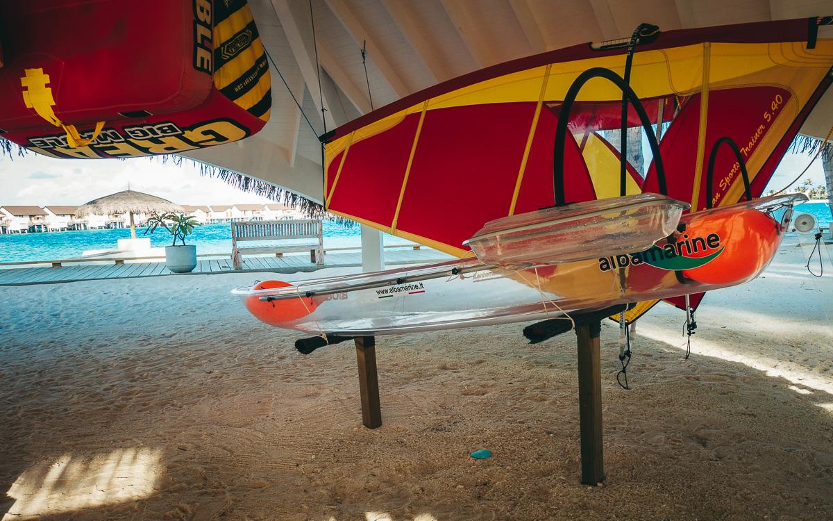 malediven-urlaub-oblu-sangeli-glas-kayak