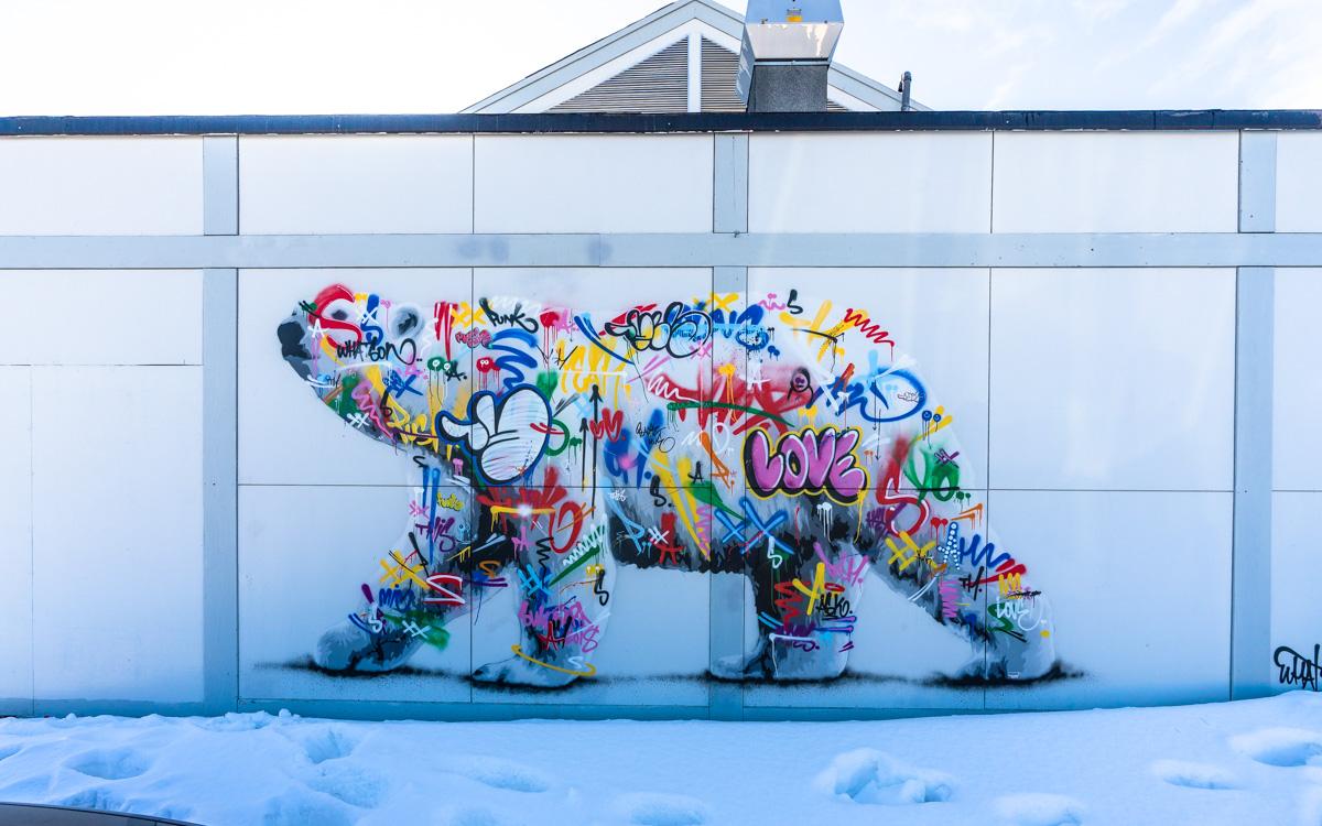eisbaer-street-art-longyearbyen