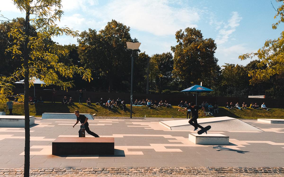 koeln-sehenswuerdigkeiten-skate-park-rheinauhafen