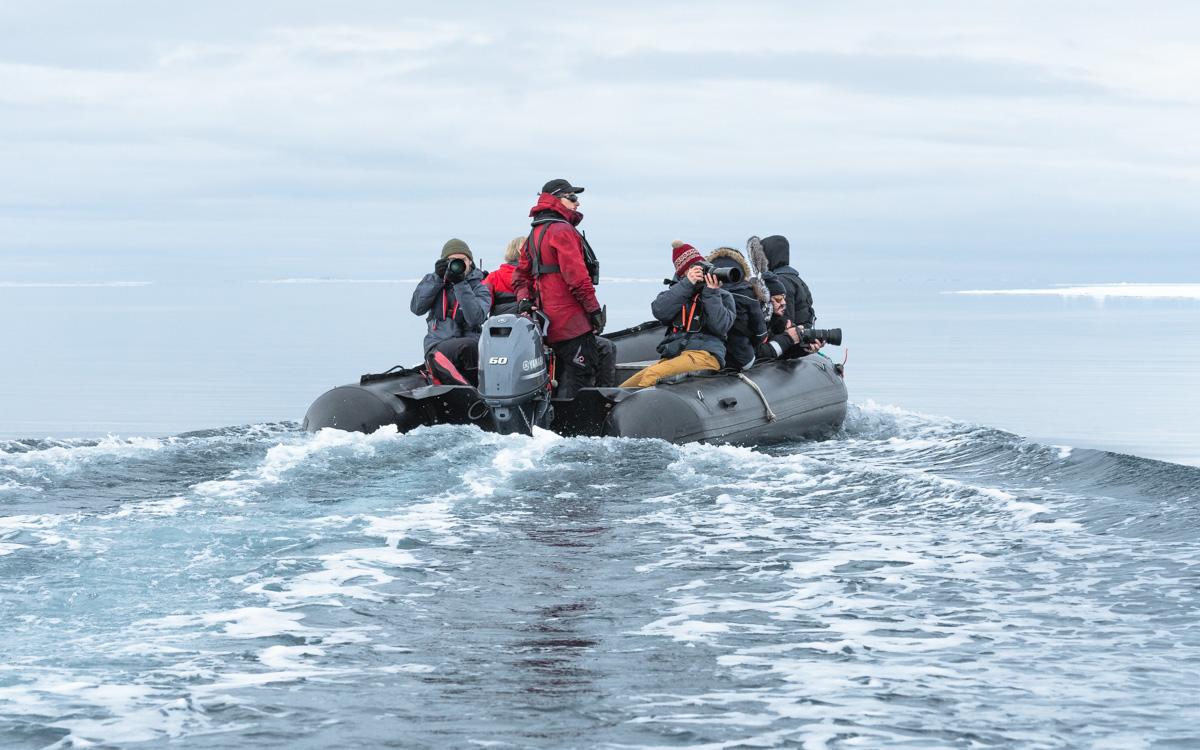 spitzbergen-zodiac