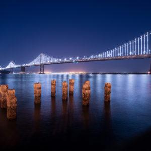 Oakland Bay Bridge bei Nacht