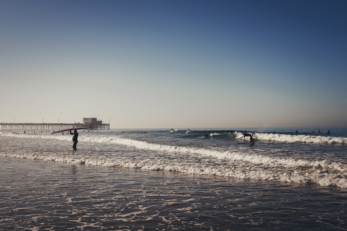 Surfer am Morgen in Huntington Beach