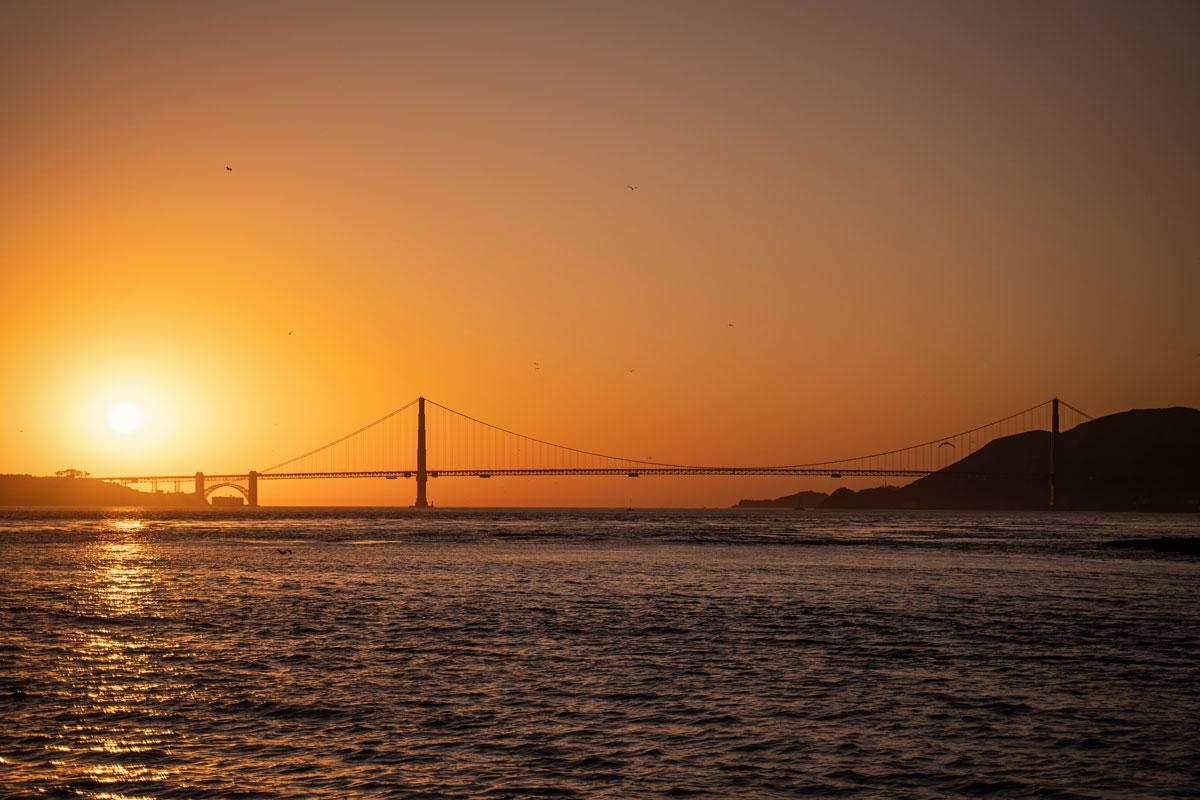 Sonnenuntergang Golden Gate Bridge auf dem Rückweg von Alcatraz