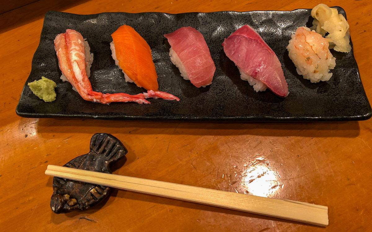 japan-knigge-sushi