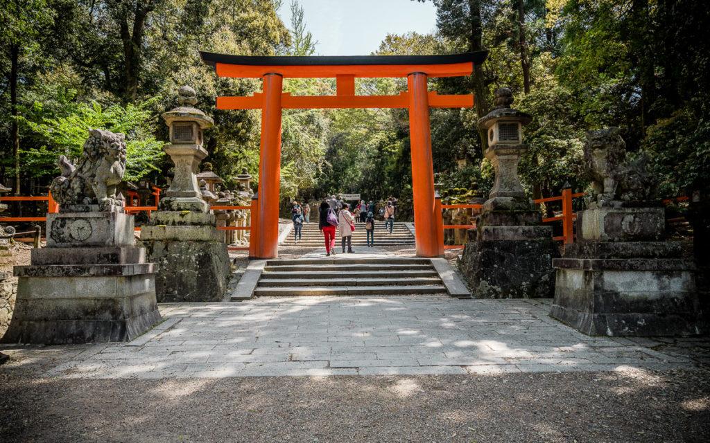 nara-japan-tori-kasuga-taisha