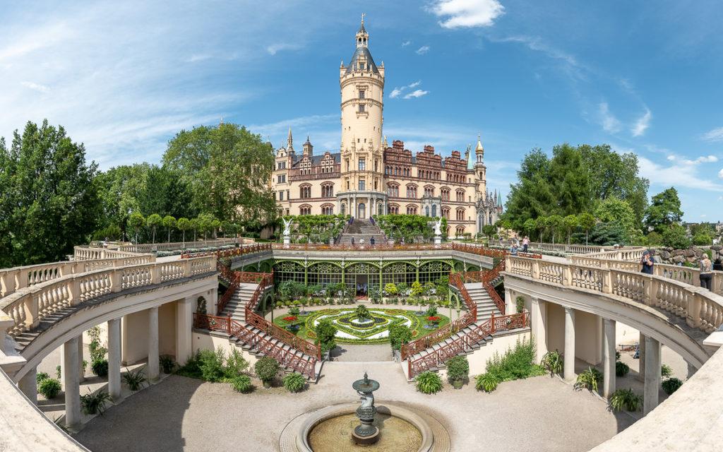 Sehenswürdigkeit in Schwerin: Schloss mit Innenhof