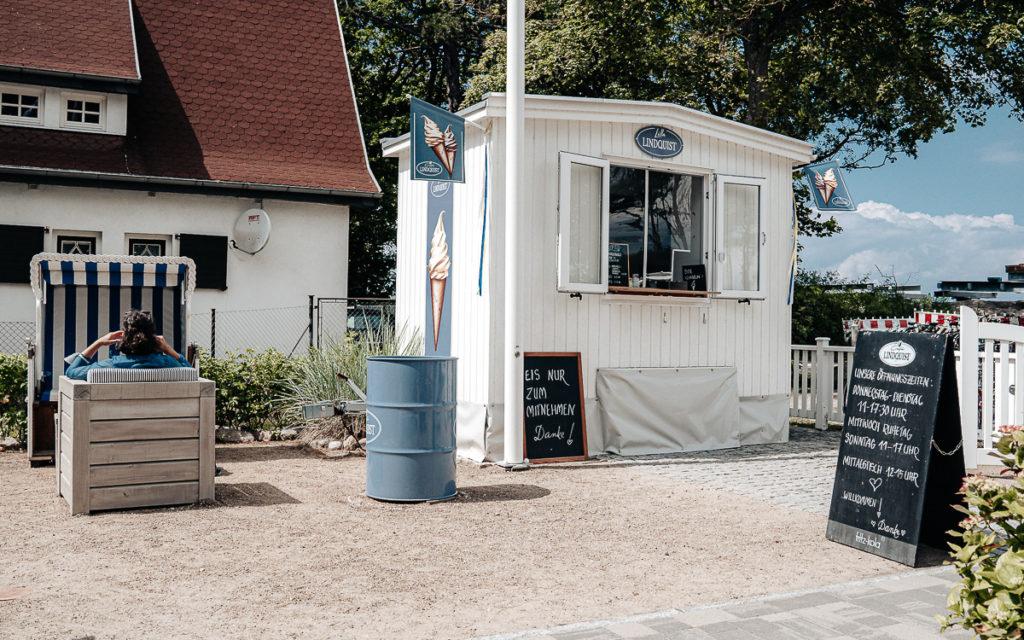 Eis im Café Lindquist, Boltenhagen