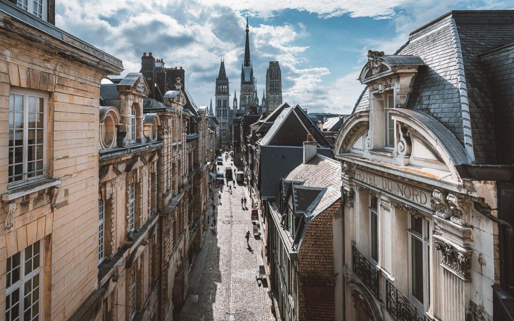 Blick auf die Rue Gros Horloge in Rouen