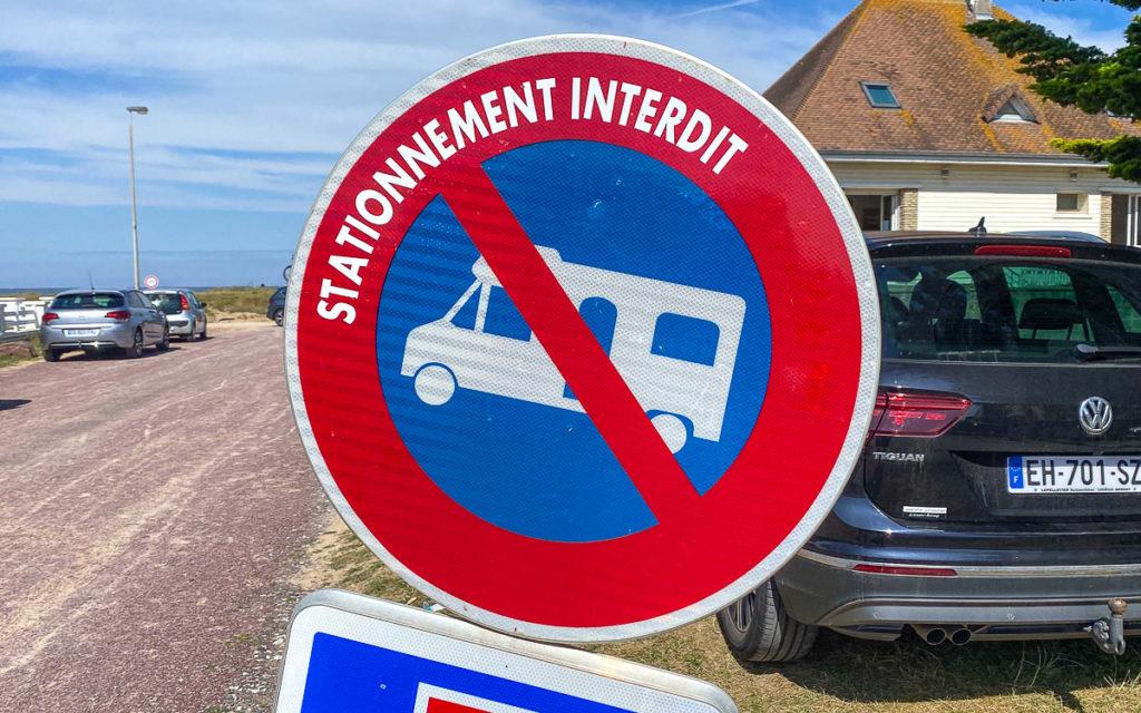 Parken verboten Schild Frankreich für Wohnmobile