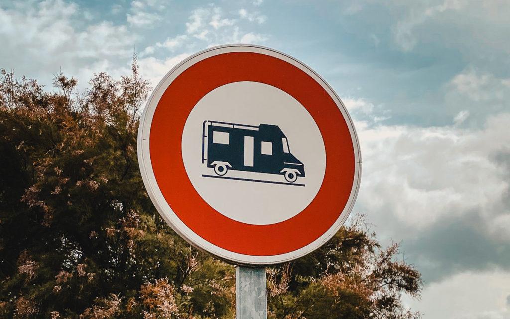 Verkehrsschild Frankreich Wohnmobil verboten