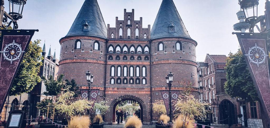 Eingangstor Hansapark Nachbau Holstentor