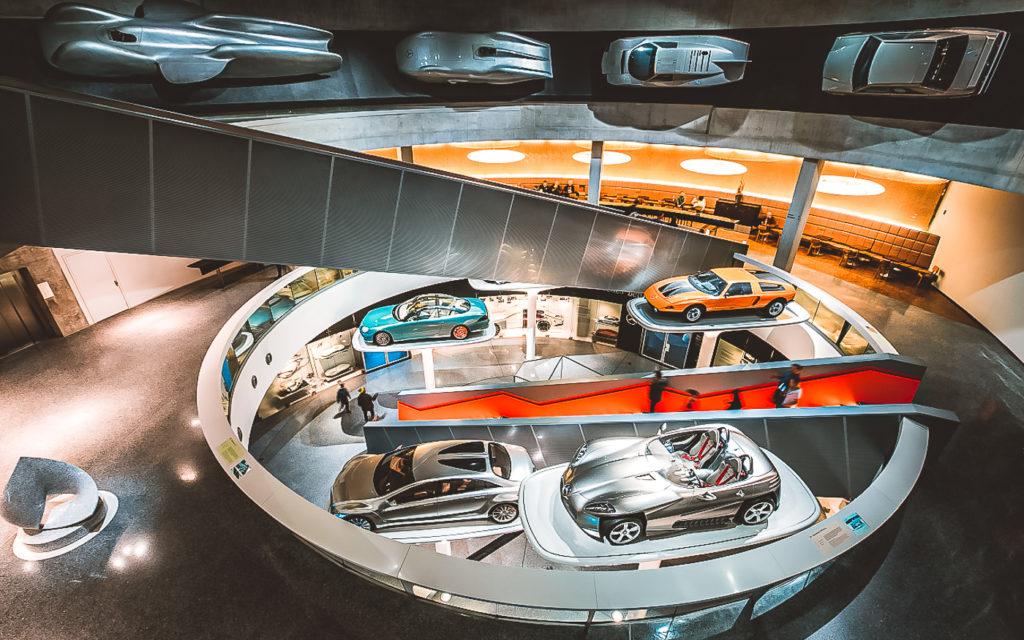 Mercedes-Benz Museum Stuttgart Innen