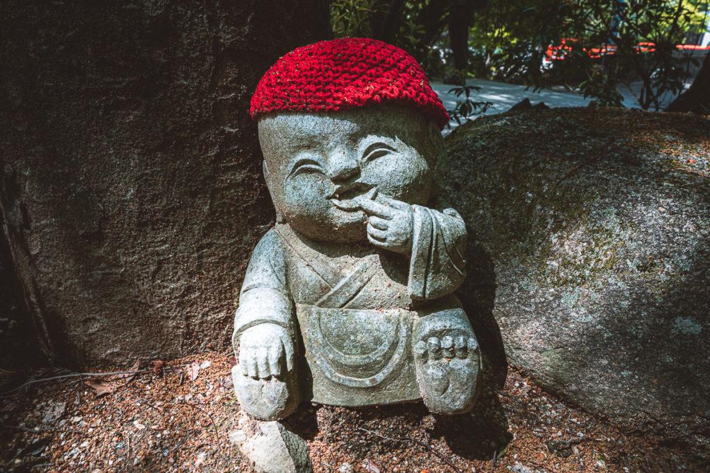 Buddha mit Mütze Miyajima