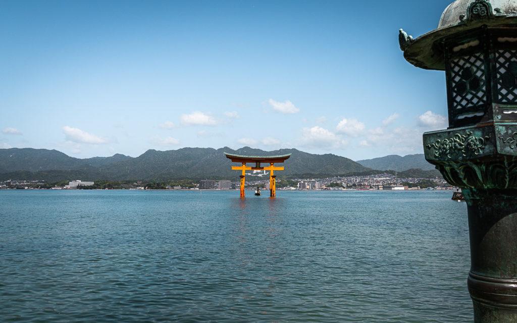 Torii Insel Miyajima Japan