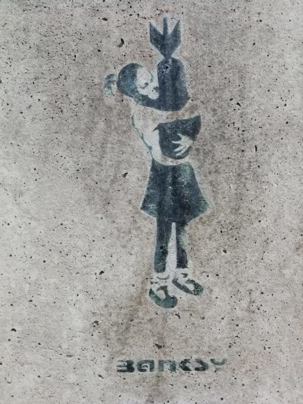 Banksy Hamburg Bomb Hugging