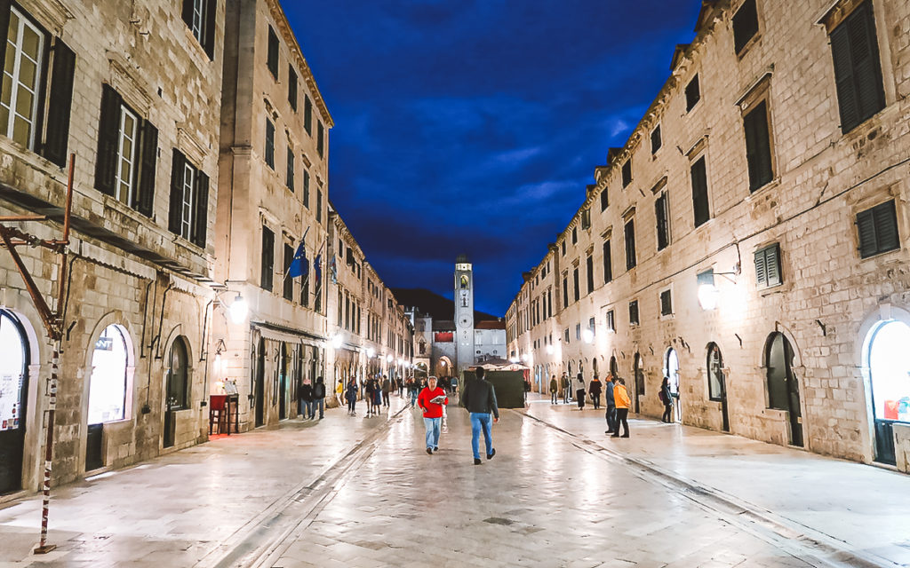 Stradun Nachts Dubrovnik