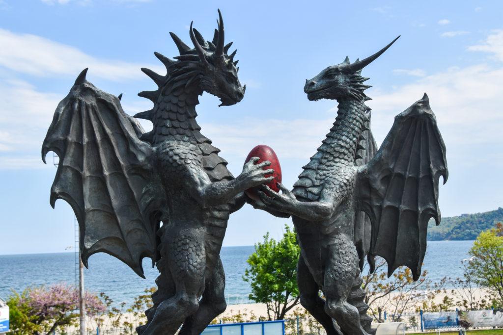 """""""Dragons in Love"""" vom Künstler Darin Lazarov"""