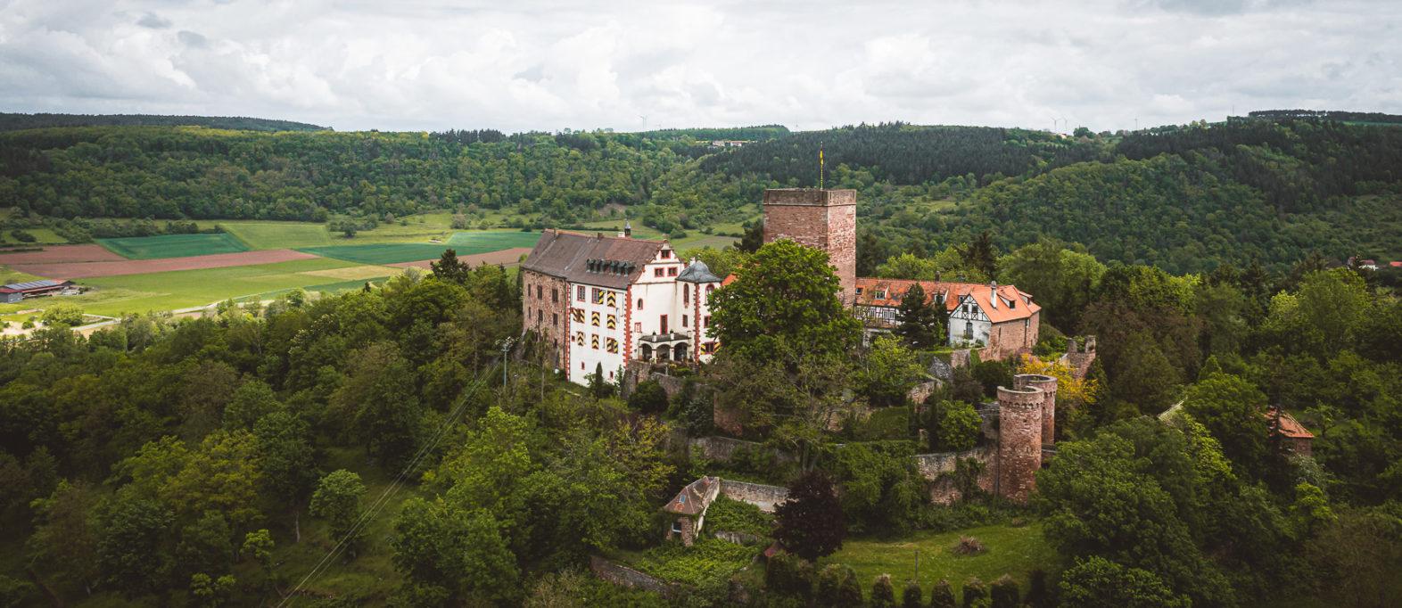 Burg Gamburg Sehenswürdigkeit Taubertal