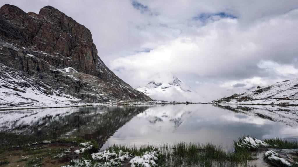 Riffelsee perfekte Spiegelung Matterhorn