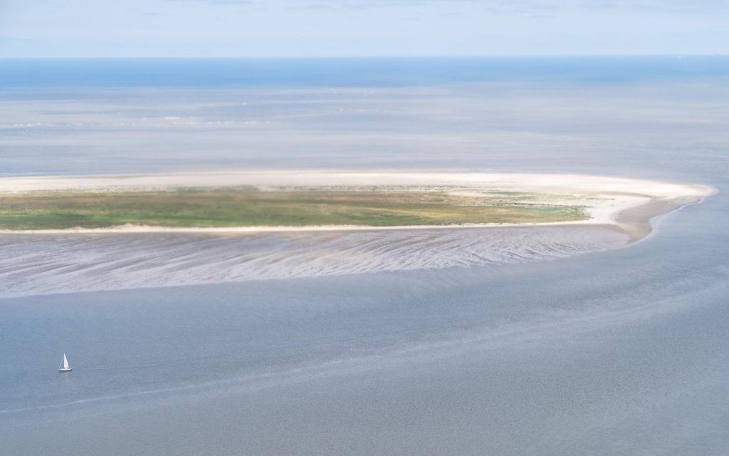 Das Ostende von Juist von oben: Kalfamer