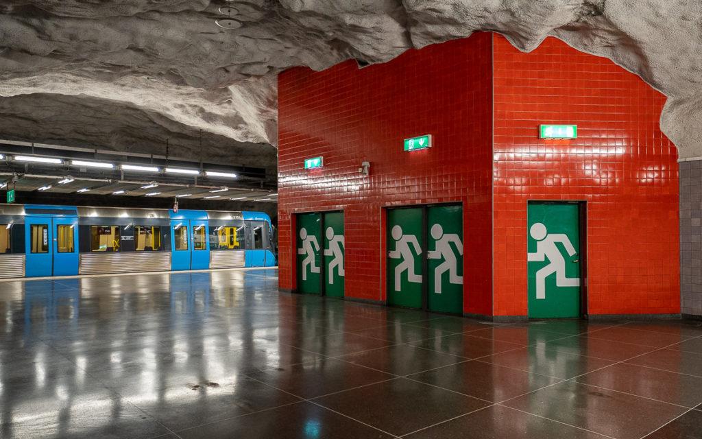 Stockholm: Kunst in den U-Bahn-Stationen auf eigene Faust als Tour 11