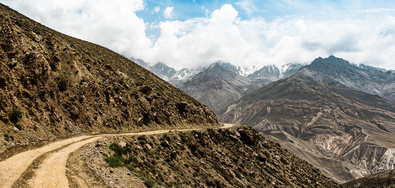 Tadschikistan – über die alte Seidenstraße und den Pamir Highway: Tipps & Geschichten